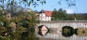 Gemünden - Huttenschloss mit Saalebrücke